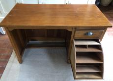 Child's High Quality desk with drawer/filing