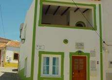 Typical house in W Algarve, Figueira