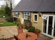 Dog/child friendly Cotswold hol Cottage. Pkng/gdn