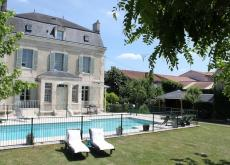 Beautiful Petit chateau with Pool SPECIAL OFFER