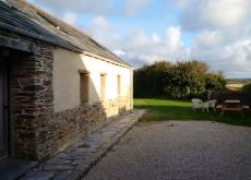 POLZEATH - CONVERTED BARN, SLEEPS 5