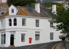 Beautiful house in central Salcombe