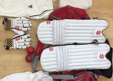 Complete cricket kit approx age 12