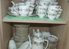 Dinner & tea service Royal Worcester June Garland
