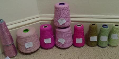 Wool on cones for knitting machines