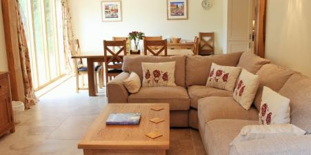 3 Bedroom Holiday Cottage near Petersfield