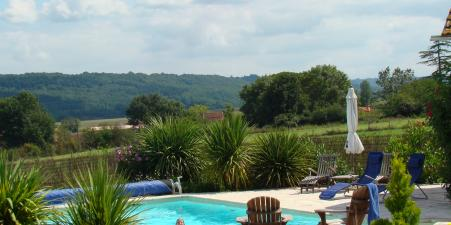 Holiday Farmhouse with pool, Haute Pyrenees.