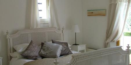 Villa  St Tropez/Grimaud Sleeps 10 - Reduce Price