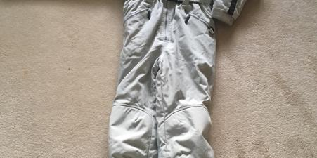Lovely Ski Suit age 13-14
