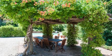 Stone Tuscan villa, stunning views, private pool