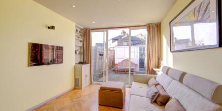 2 bed house in the heart of Parsons Green SW6